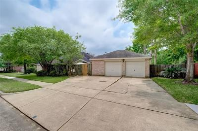 Sugar Land Single Family Home For Sale: 8759 River Wind Drive