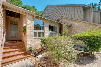 Spring Condo/Townhouse For Sale: 16 Lakeridge Drive