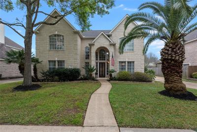 Seabrook Single Family Home For Sale: 2410 Lakeside Drive