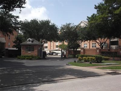 Houston Condo/Townhouse For Sale: 2111 Welch #A-306