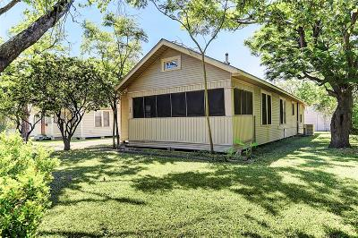 Texas City Single Family Home For Sale: 723 4th Avenue N