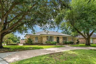 Friendswood Single Family Home For Sale: 5127 Whittier Oaks Drive