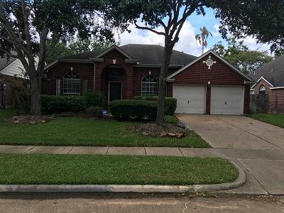 Sugar Land Single Family Home For Sale: 1215 Wood Haven Court