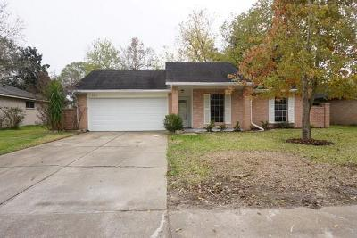 League City TX Single Family Home For Sale: $165,000