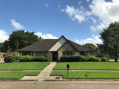 Houston Single Family Home For Sale: 15902 Heatherdale Drive