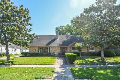 Houston Single Family Home For Sale: 6703 Burning Tree Drive
