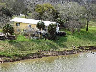 Matagorda Single Family Home For Sale: 570 Exotic Isle Street