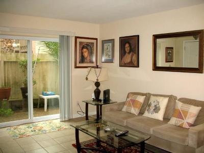 Galveston Condo/Townhouse For Sale: 215 Postoffice Street #1101