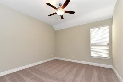 Friendswood Single Family Home For Sale: 933 Gadston Park Lane