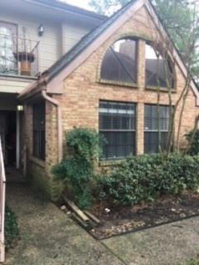 Houston Condo/Townhouse For Sale: 16800 Sugar Pine Drive #G54