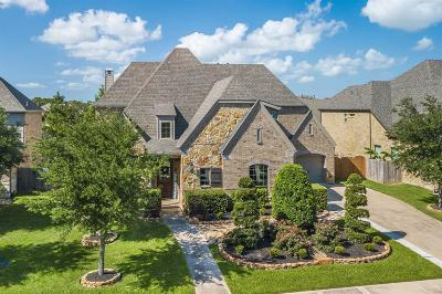 Friendswood Single Family Home For Sale: 2309 Halls Creek Court
