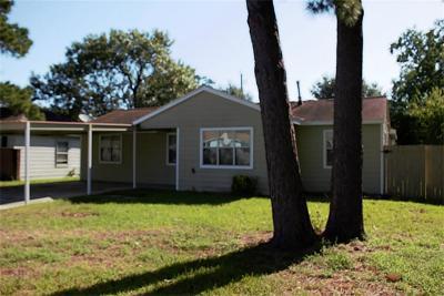 Pasadena Single Family Home For Sale: 1309 Scarborough Lane