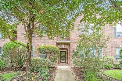 The Woodlands Condo/Townhouse For Sale: 27 Avenswood Place