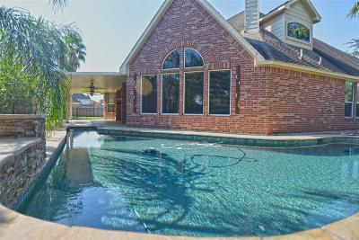 League City Single Family Home For Sale: 5235 Pilgrim Oaks Lane