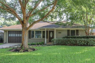 Houston Single Family Home For Sale: 2018 Saxon Drive