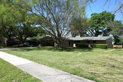 Jersey Village Single Family Home For Sale: 16302 Jersey Drive
