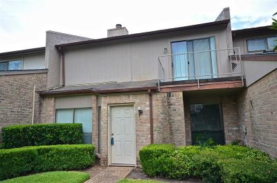 Sugar Land Condo/Townhouse For Sale: 13311 Parkway Boulevard #33