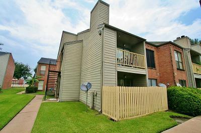Condo/Townhouse For Sale: 16111 Aspenglen Drive #201
