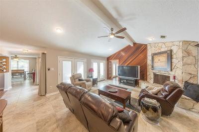 Friendswood Single Family Home For Sale: 1814 Eagles Cove