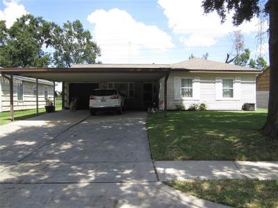 Pasadena Single Family Home For Sale: 109 Alastair Drive