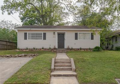 Single Family Home For Sale: 203 N Austin Street
