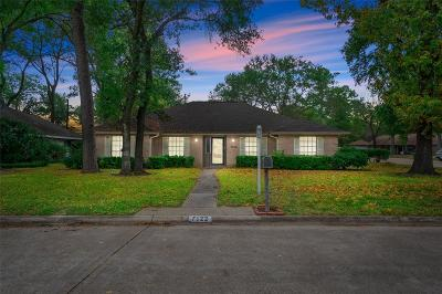 Houston Single Family Home For Sale: 7122 Bayou Forest Drive