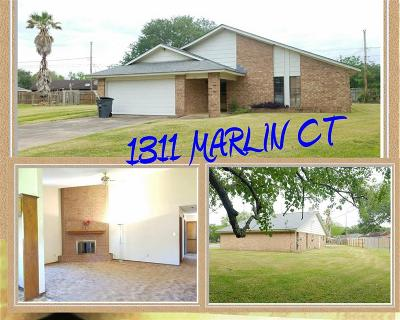 Bay City TX Single Family Home For Sale: $127,900