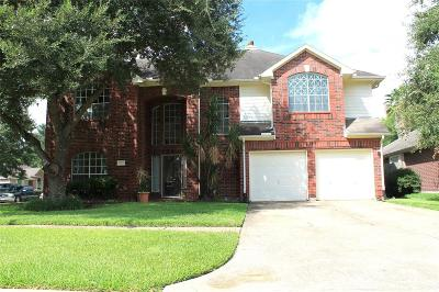 Pearland Single Family Home For Sale: 922 E Hampton Drive