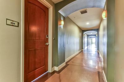 Houston Condo/Townhouse For Sale: 2323 Polk Street #304
