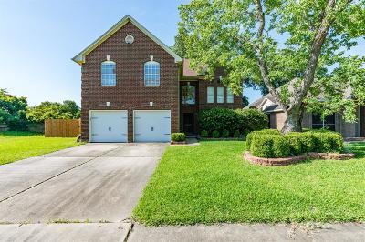 Seabrook Single Family Home For Sale: 1301 S Heron Drive