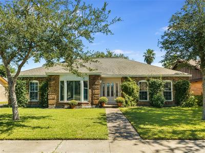 Galveston Single Family Home For Sale: 4 E Dansby Drive