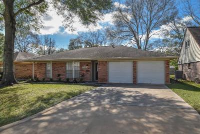 Houston Single Family Home For Sale: 10663 Hazelhurst Drive