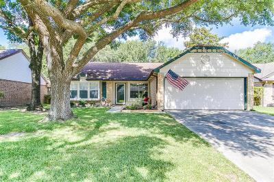 League City Single Family Home For Sale: 409 Meadowpoint Drive