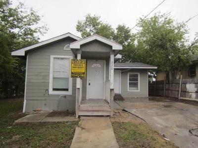San Antonio Single Family Home For Sale: 220 Azucena Street