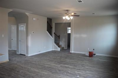 Texas City TX Single Family Home Pending Continue to Show: $244,500