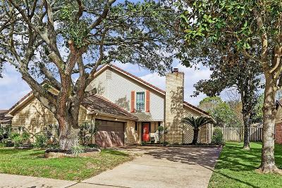 Pearland Single Family Home Pending: 2425 Colleen Drive