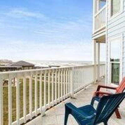 Galveston Condo/Townhouse For Sale: 10811 Termini San Luis Pass Road #2115