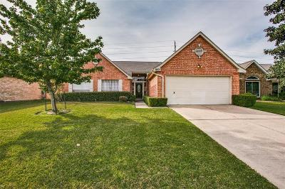 Pearland Single Family Home For Sale: 822 W Peach Hollow Circle