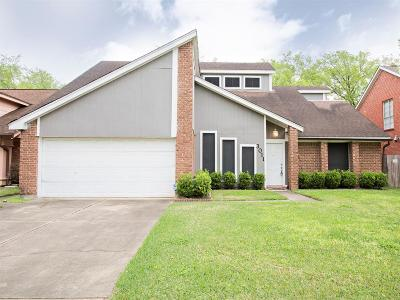 Sugar Land Single Family Home For Sale: 3011 The Highlands Dr Drive