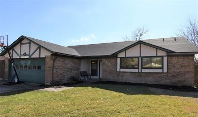 Dickinson Single Family Home For Sale: 5420 Bramble Lane