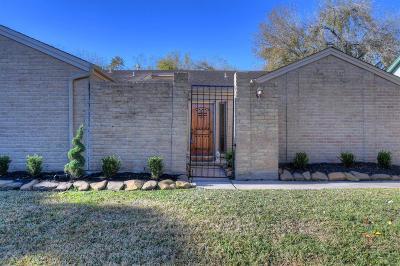Single Family Home For Sale: 14922 Saint Cloud Drive