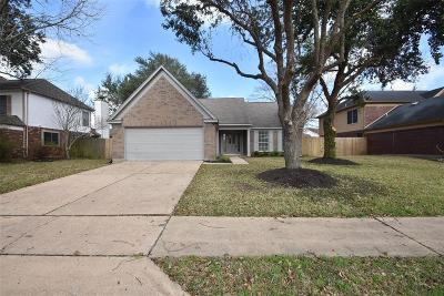 Pearland Single Family Home For Sale: 5401 Spring Circle Drive