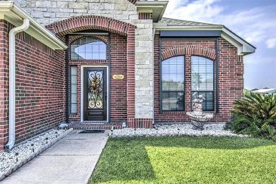 Baytown Single Family Home For Sale: 5118 Majestic Drive