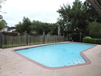 Pasadena Single Family Home For Sale: 7023 Coldstream Drive