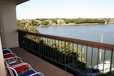Harris County Condo/Townhouse For Sale: 18809 Egret Bay Boulevard #127