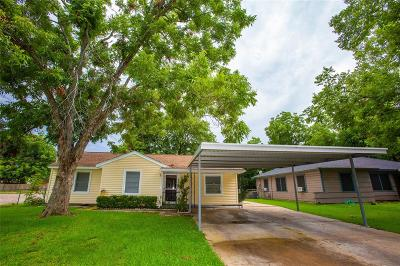 Angleton Single Family Home For Sale: 1116 Robinhood Lane