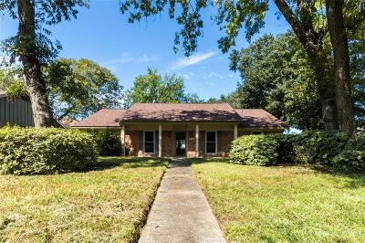 Single Family Home For Sale: 5402 Sheraton Oaks Drive