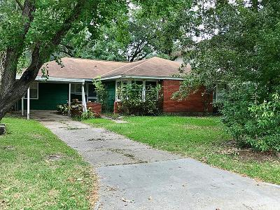 Bellaire Single Family Home For Sale: 4606 Cedar Oaks