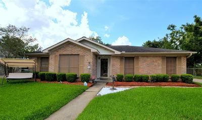 League City TX Single Family Home For Sale: $209,500