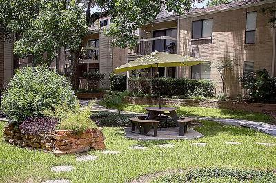 The Woodlands Condo/Townhouse For Sale: 3500 Tangle Brush Drive #123